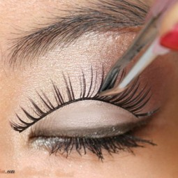 How To Apply False Eye Lashes